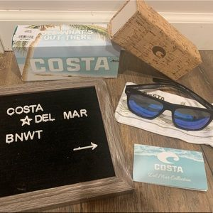 Costa Del Mar Aransas sunglasses.